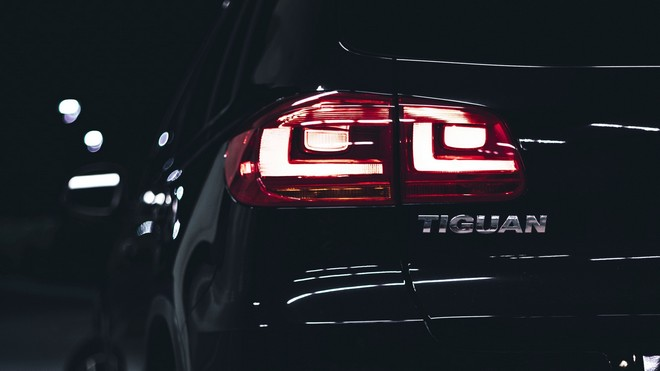 1920x1080 wallpapers: volkswagen tiguan, volkswagen, car, black, lights, backlight (image)