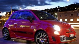 abarth 695, tributo ferrari, 2011, red, stylish, sport, side view, auto, city, lights - wallpapers, picture