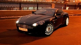aston martin, db9, 2004, black, front view, style, auto, aston martin, city, houses, lights, asphalt - wallpapers, picture