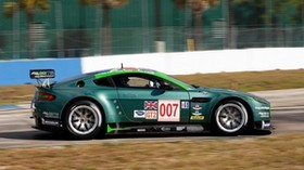 aston martin, v8, vantage, 2009, green, side view, sports, aston martin, speed - wallpapers, picture