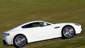 aston martin, v8, vantage, 2011, white, side view, speed, aston martin, grass - wallpapers, picture
