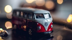 bus, toy, bokeh, glare - wallpapers, picture