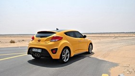 hyundai veloster, yellow, side view, desert - wallpapers, picture