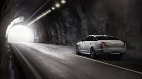 jaguar xj, jaguar, movement, speed, white - wallpapers, picture