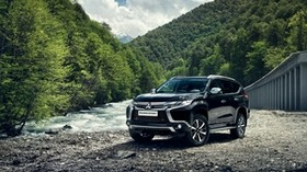 mitsubishi pajero, SUV, mountains - wallpapers, picture